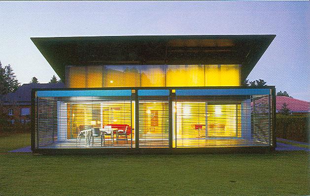 Poly house case prefabbricate case nel mondo for Casa di vetro contemporanea